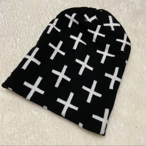 ✨3/25$✨ Black and white H&M:Divided Cross Toque